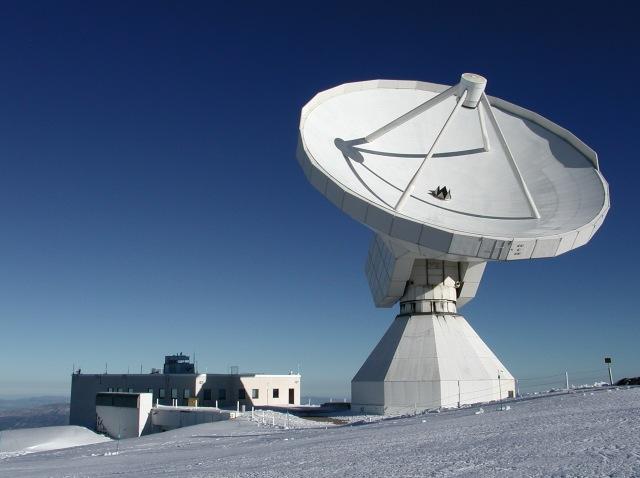 Radiotelescopio IRAM 30 situado en SIerra Nevada (Granada)